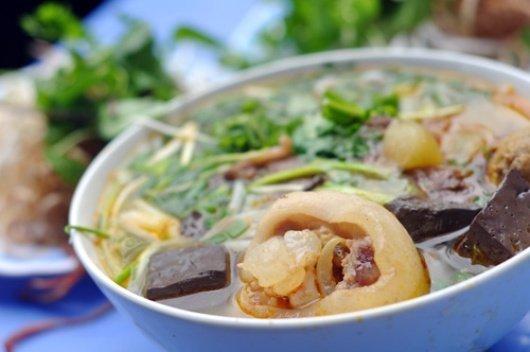 bún bò Huế Sài Gòn